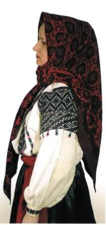 У тунікоподібних вишиваних жіночих сорочках придністровських районів  Поділля край рукавів зовсім не призбирували 00ddc55a2965c
